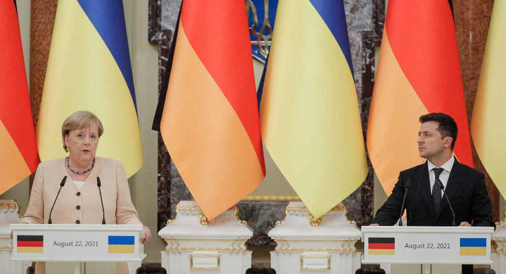 The Message of Merkel's Last Official Visits to Russia and Ukraine