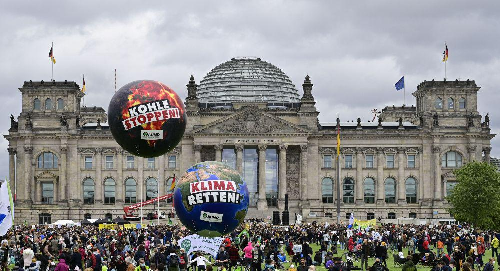 Judy Asks: Can Germany Provide Leadership to Europe?