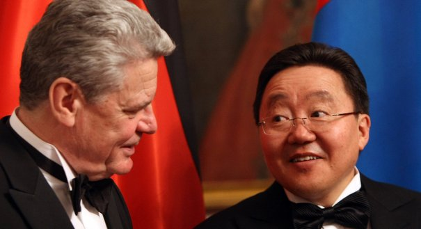 Talking to Tsakhiagiin Elbegdorj