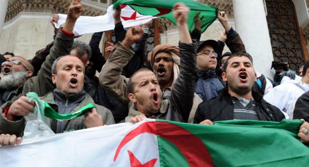تململ الطبقة الوسطى في الجزائر