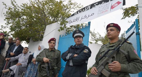 قوات الأمن التونسية وحق الاقتراع: اهتزاز المعادلة