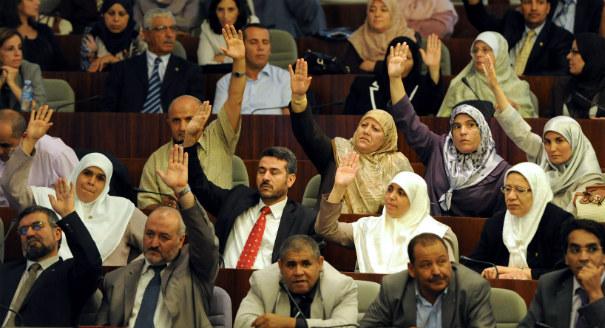 المرأة في العملية التشريعية في البلدان العربية