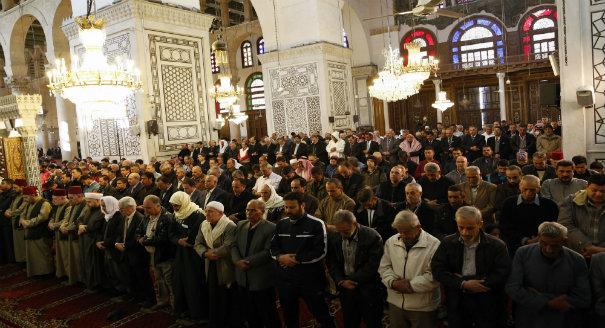 تقنين سيطرة النظام على الشؤون الدينية السورية