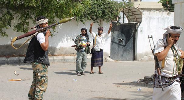 اللجان الشعبية في اليمن: برميل الحروب والصراعات