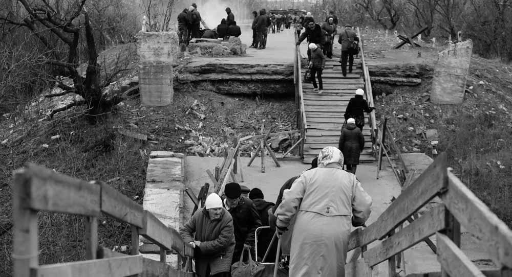 Забытые в Донбассе. Как Киев усугубляет проблемы востока Украины