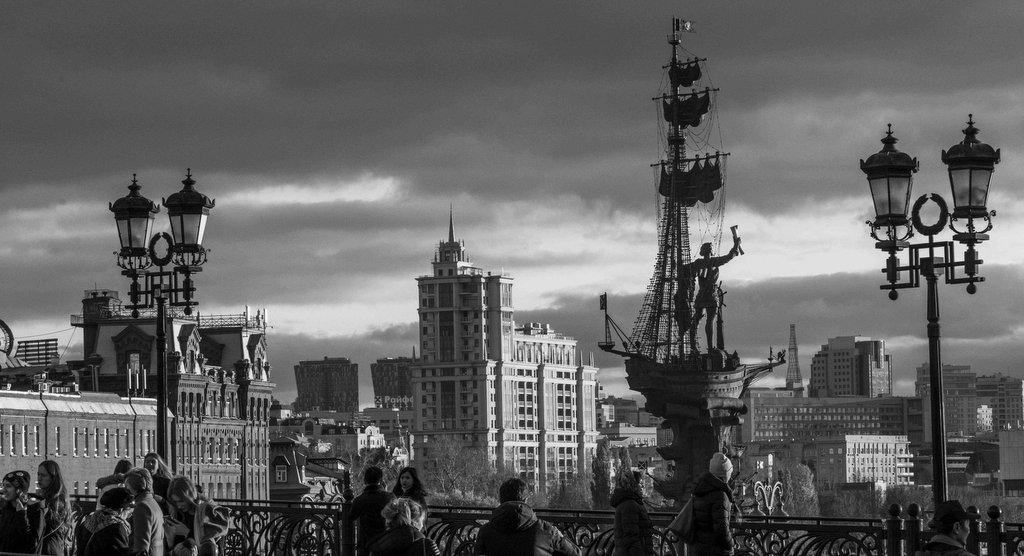 Почему устоят московские памятники