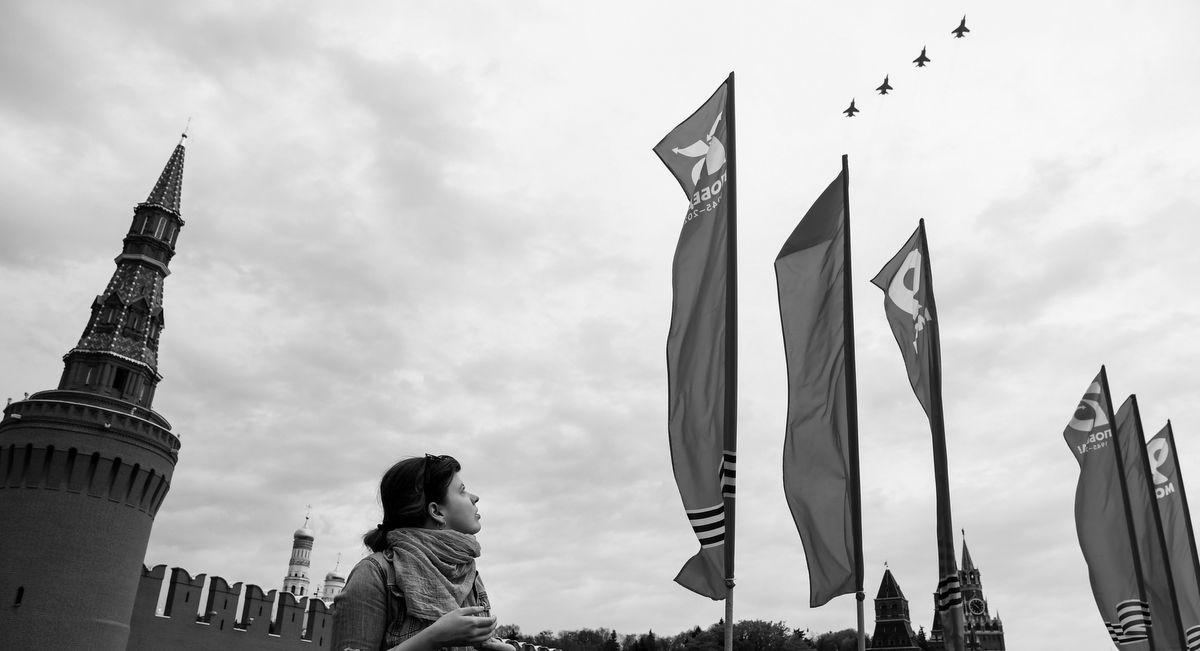 Facing a Dim Present, Putin Turns Back To Glorious Stalin