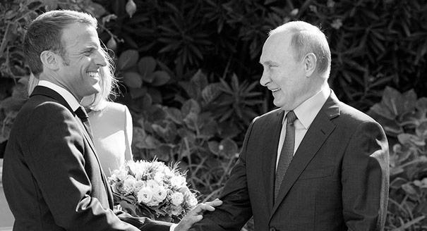 Почему Макрон так тепло принял Путина в Брегансоне