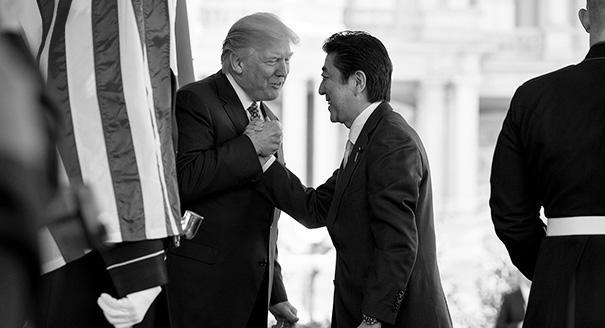 Почему Япония так старается подружиться с Трампом