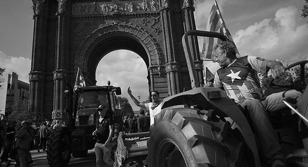 Осенний марафон. Как бегство бизнеса из Барселоны помешало независимости Каталонии