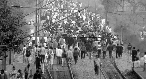 Почему в Индии начались кастовые бунты