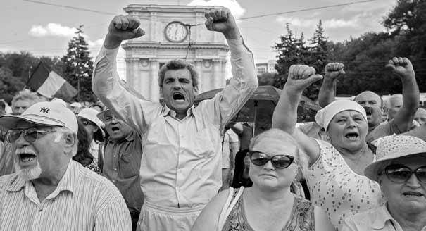 Ударник «Восточного партнерства»: почему в Молдавии проевропейские партии свергают друг друга
