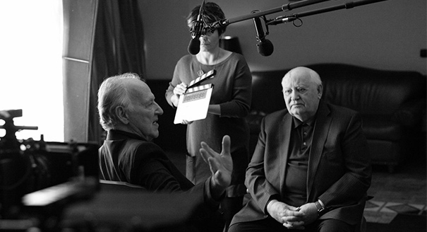 «Встречи с Горбачевым». Как режиссер Херцог изобретает положительного политика для России