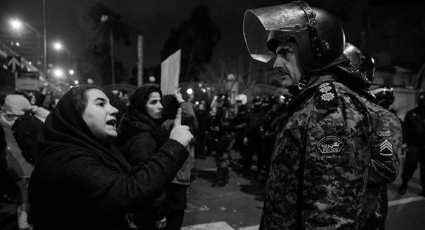 Генерал и «боинг». Почему признание в трагической ошибке вызвало протесты в Иране