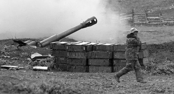 Бои в Карабахе: новая война, беспокоящий огонь или интриги держав