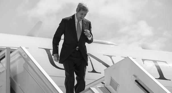 Разведка миром: зачем Керри приезжал в Россию