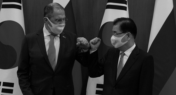 Double Ally: How Seoul Stays Friendly With Both Washington and Moscow