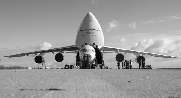 Слишком идеальный. Почему региональный самолет Sukhoi Superjet 100 так тяжело летит