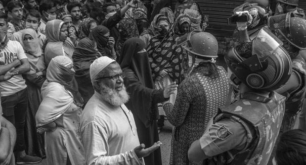 Карантин по «Рамаяне». Как борьба с эпидемией стала в Индии религиозным делом