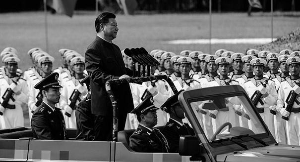 Взяли под козырек. Как китайская армия становится опорой власти Си Цзиньпина