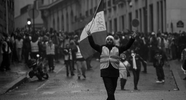 Плач жилетов. Как Макрон потерял доверие большинства французов