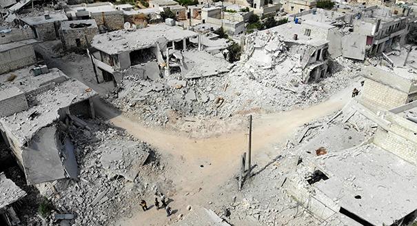 ماذا سيحدث في إدلب، حيث يُحاصَر ملايين المدنيين السوريين؟