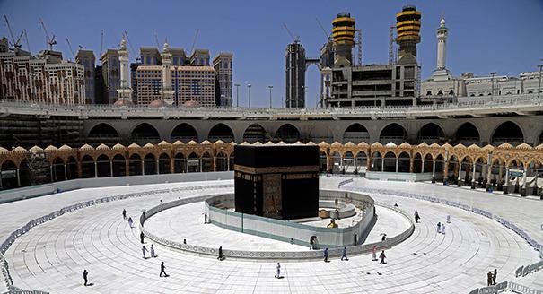 سياسة السعودية في مواجهة الوباء..هل يشكل رمضان اختبارًا لها؟