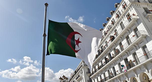 مقال مصوّر: الحدود الجزائرية المنسية