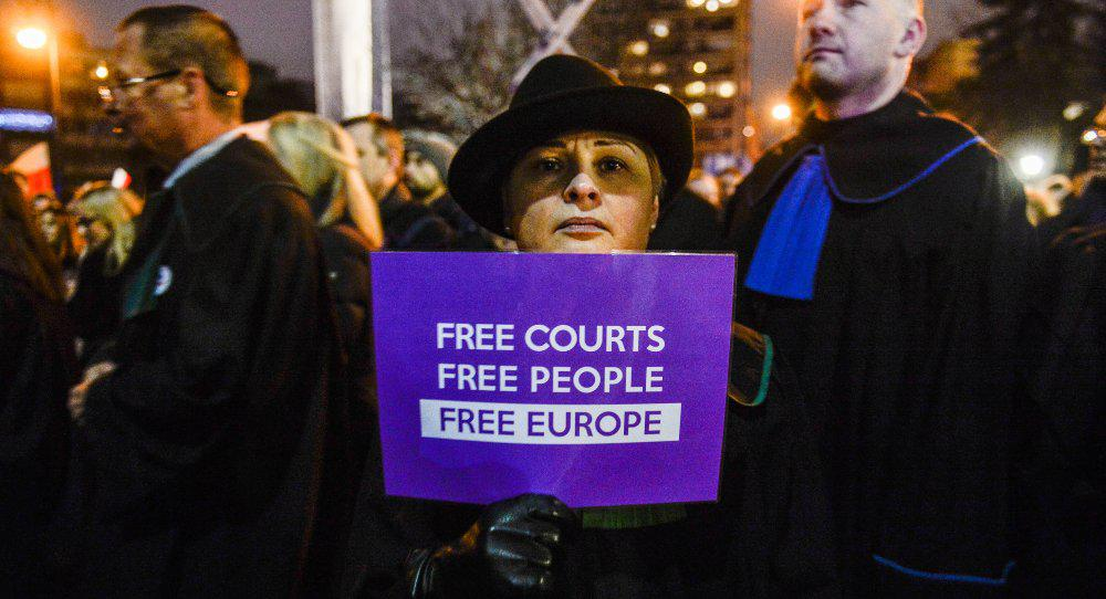 How the Legacy of Poland's Dissidents Is Being Challenged