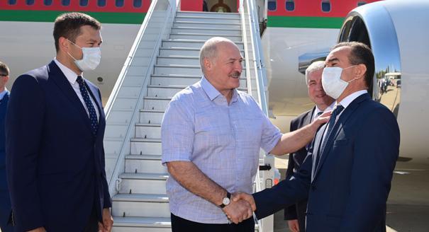 Кредит на конституцию. Какими будут отношения Лукашенко и Кремля