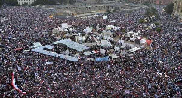 مصر على كف عفريت