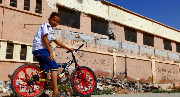 مقال مصوّر: لامكان للتحصيل العلمي في بنغازي