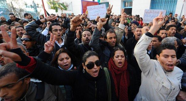 دعم عملية الانتقال المحفوفة بالمخاطر في تونس