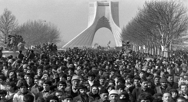 Black Wave: Saudi Arabia, Iran, and the Forty-Year Rivalry